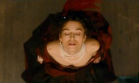 Joe Wright sembra averci preso gusto. Dopo Orgoglio e Pregiudizio (2005) e Espiazione (2007) ecco un'altra trasposizione del giovane regista londinese da un capolavoro della letteratura. Anna Karenina è infatti [...]