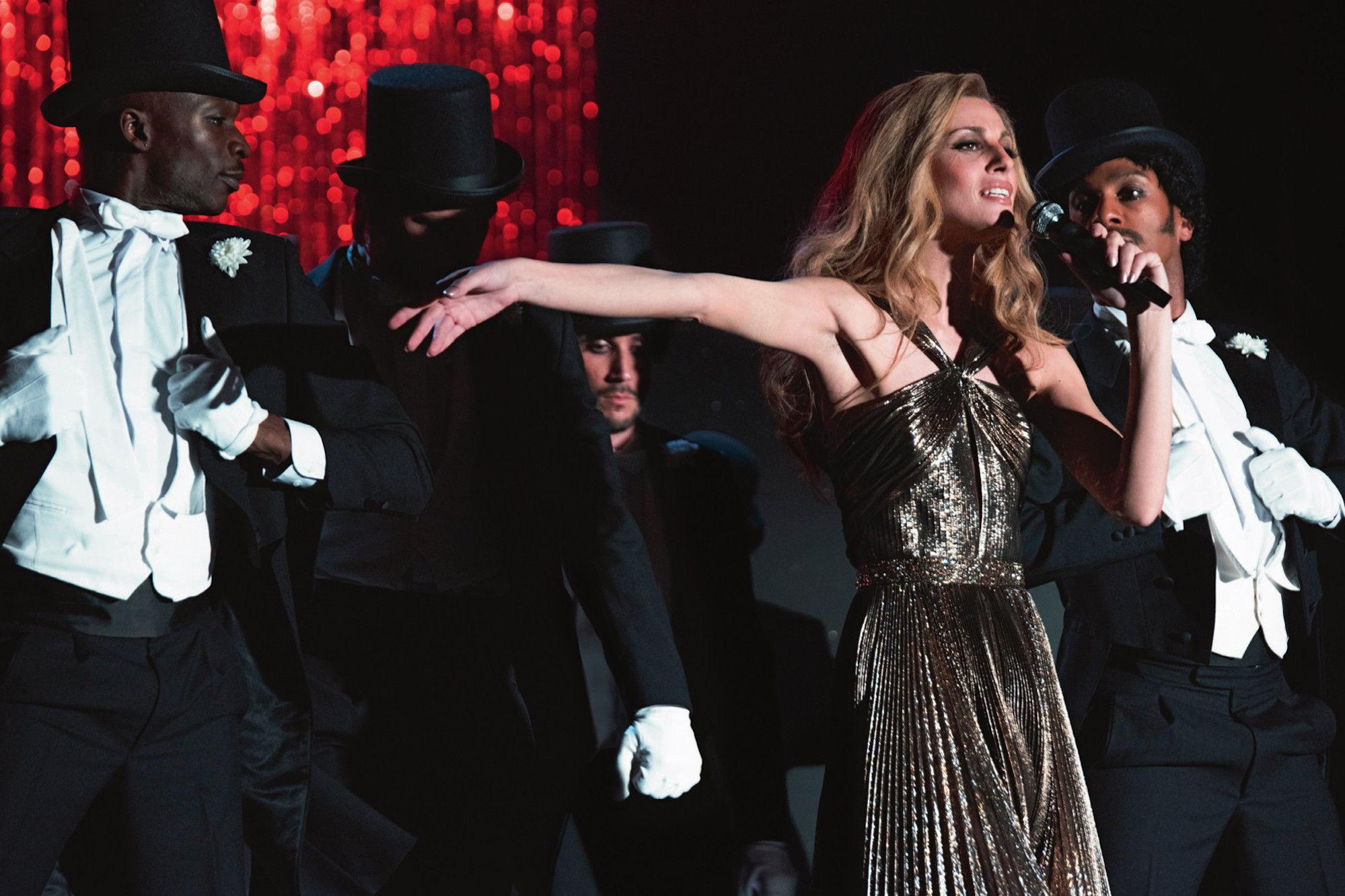"""Un'incredibile somiglianza accomuna Sveva Alviti, attrice e modella romana, a Dalida, la cantante italiana morta nel 1987 dopo aver venduto più di 170 milioni di dischi in tutto il mondo. """"Dalida"""", [...]"""