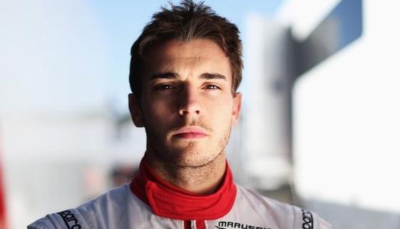 """Il giovane pilota francese della casa automobilistica """"Marussa"""" è stato protagonista di un violento incidente sul circuito giapponese di Suzuka. Durante la parte finale del Gran Premio, Bianchi, in seguito all' [...]"""