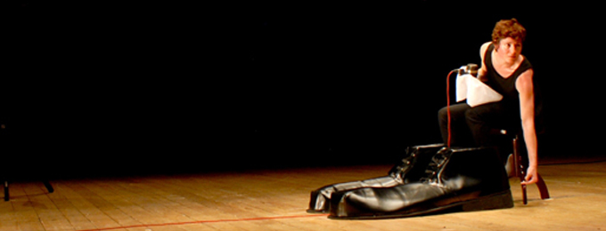 MA, le prime due lettere di mamma, parola cara a Pasolini, tanto che l'ha deposta sotto la Croce nel suo Vangelo e l'ha pronunciata infinite volte a teatro, sul set, [...]
