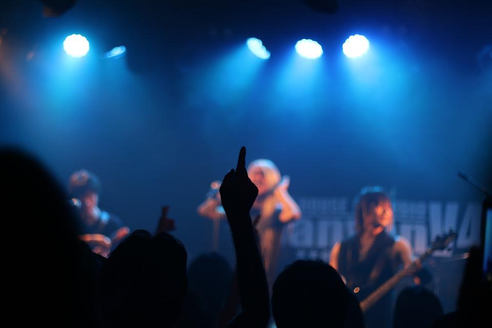 La musica torna a teatro, dasabato 13 gennaio alle ore 21.00, declinata secondo diverse sintassi sonore e vari stilemi musicali, arricchendo la programmazione di prosa e danza 2017/2018 del Teatro [...]