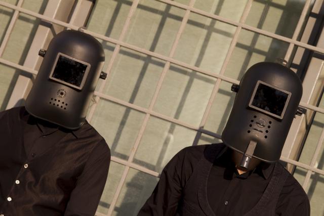 Un vortice di blues androide e ironia sta per planare su Napoli. Sulla portiera c'è scritto The Cyborgs, a indicare il power-duo che negli ultimi mesi ha attirato su di [...]