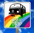 Sei  in macchina, la radio trasmette una canzone: inizia il viaggio. Attorno  a te cambia tutto. Sei in un tempo sospeso. In America alla fine degli anni '60, [...]