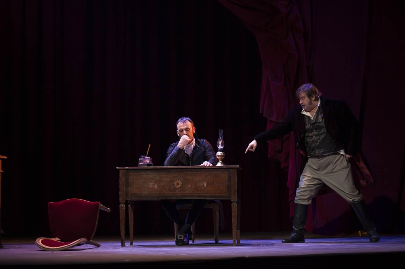 """Arriva a Napoli l'atteso spettacolo di Georg Büchner, la """"Morte di Danton"""" per la regia di Mario Martone. In scena al Teatro Politeama dal 26 aprile al 7 maggio. """"La morte [...]"""